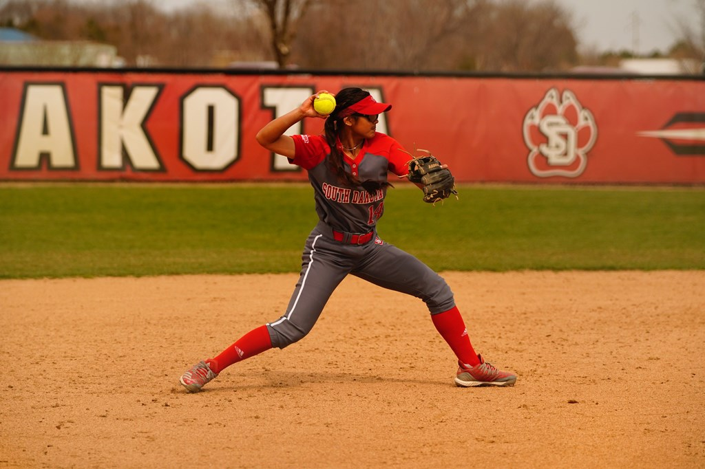 Softball - University of South Dakota Athletics